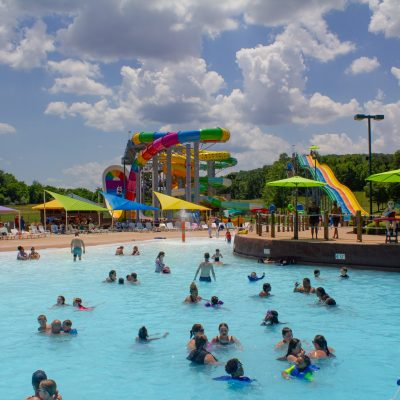 10 Essentials Tips for the Water Park with Kids