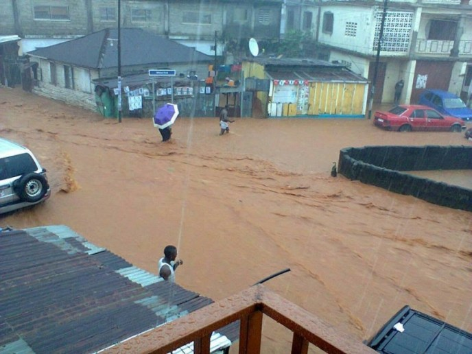 Flood in Freetown. Photo: Abubakarr Kamara/The AfricaPaper, (c) 2015