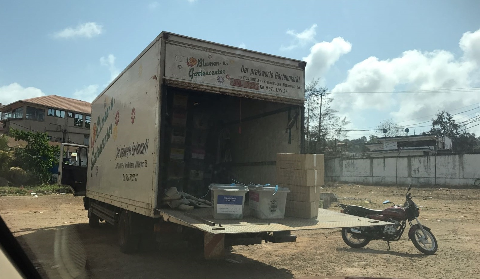 Transporting ballots to tally center in Port Loko