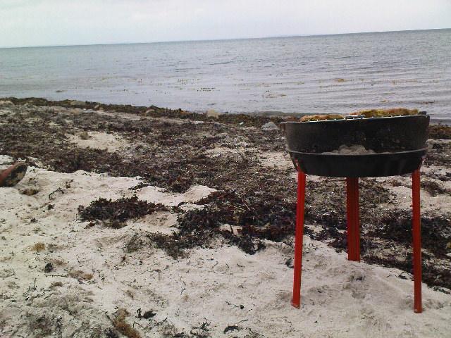 Strand, Meer und kein Hot Dog auf dem Grill soweit das Auge reicht
