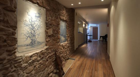 Hotel Rickmers Insulaner auf Helgoland - Im schön gestalteten Wellnessbereich befinden sich von Hans-Peter Wirsing gestaltete Kacheln mit maritimen Motiven