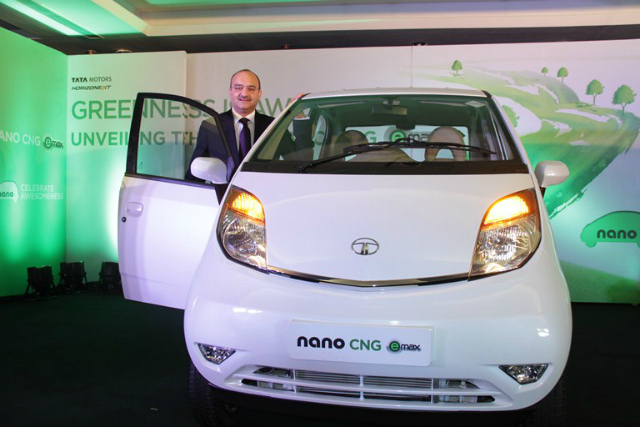 Mr. Ankush Arora Sr. Vice President, Passenger Vehicle Business Unit (Commercial), Tata Motors presenting Tata Nano CNG emax