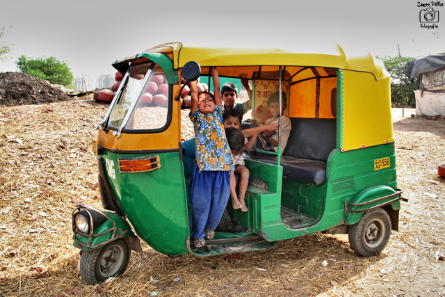 Photo © Samir PIllai | Children having fun in a CNG rikshaw