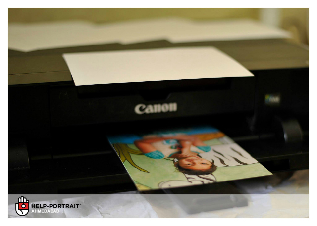 Help-Portrait Ahmedabad 2013: Printing of pictures