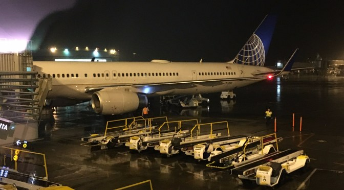 Review: United Airlines First Class 757-300W San Francisco to Seattle