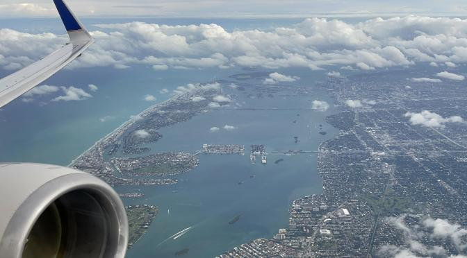Review: United 737-800 First Class Miami to Houston (Updated First Class Service)