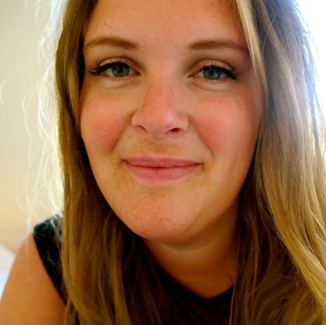 Jeg har ikke noe bilde av en jomfruhinne (for det finnes ikke), så jeg bruker bare et bilde av meg selv i stedenfor.