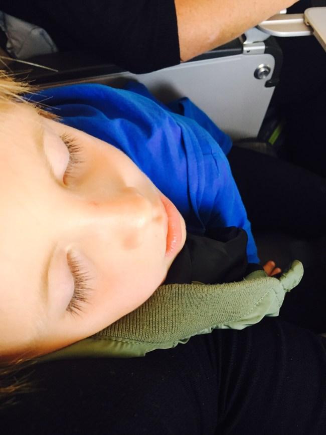 Den med sovende barn på fly vinner gullmedalje.