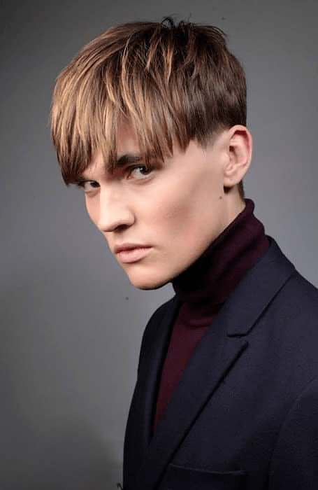 Men's straight hairstyle