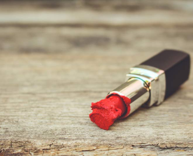 Fixing broken lipstick