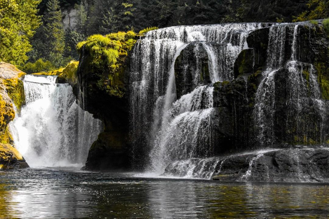 Lower Lewis Falls in Washington (United States)