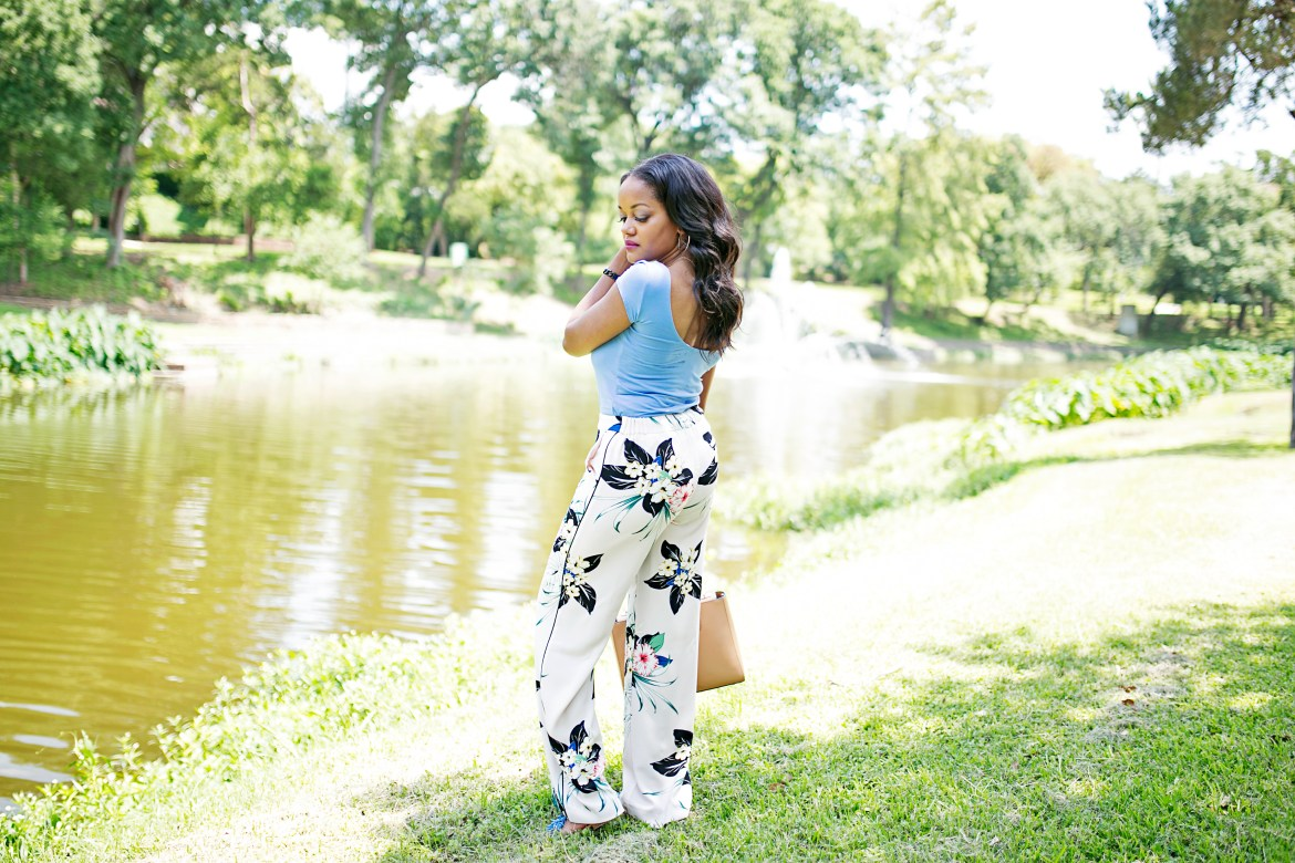 ZARA FLORAL PANTS, SCOOPBACK TOP, HOW TO WEAR FLORAL PANTS, DALLAS BLOGGER
