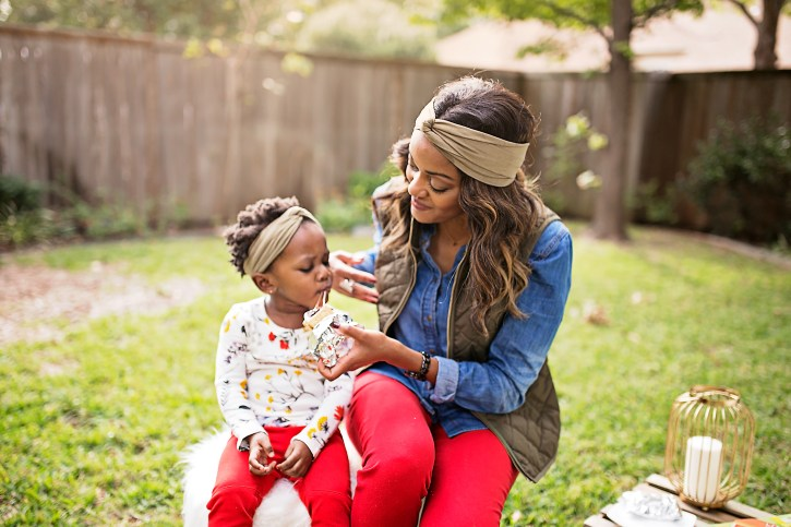 glamping, smores, dallas blogger, fashion blogger, mommy blogger, black girl blogger, mommy and daughter ideas, photoshoot with kids ideas, KRZA mommy and me headbands, mommy and me ideas
