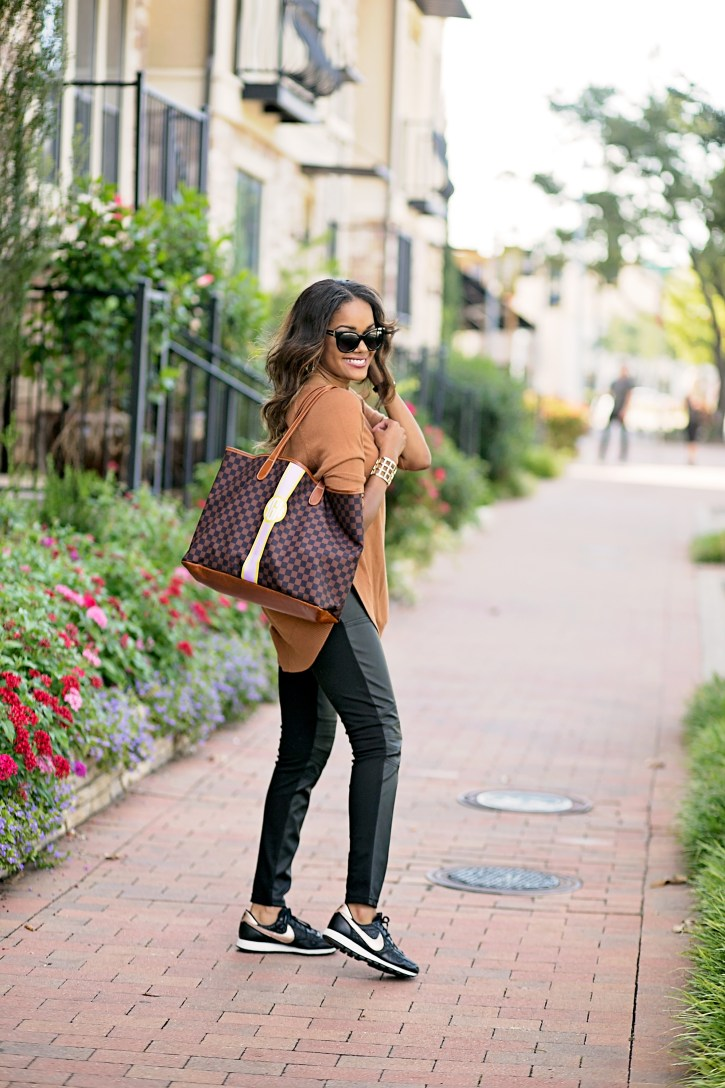 what to wear to the airport,Barrington gifts st anne tote, nike air 83 rose gold, airport travel style, airport fashion, mommy travel style, comfortable airport outfit, dallas blogger, fashion blogger, black girl blogger