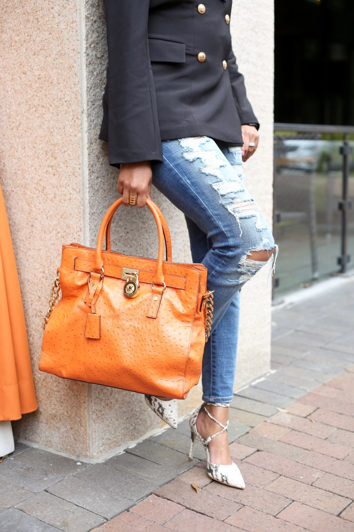 american eagle ripped ankle jean, michael kors hamilton bag, steve madden lace up snakeskin raela pump, dallas blogger