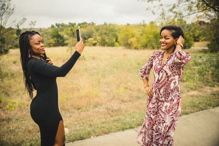 slaying in the country, fall fashion, fall maxi dress, olivia palermo nordstrom, fall fashion inspiration, dallas bloggers, black women bloggers, arbor hills park plano texas, country photo shoot inspiration, fall fashion looks