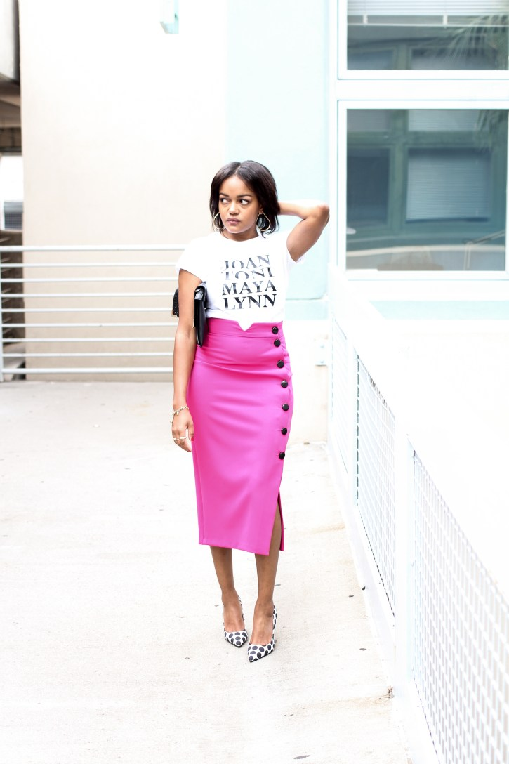 Girlfriends, girlfriends tee, gold the label, graphic tees, pink pencil skirt, pink midi skirt, fall fashion, how to wear a graphic tee, midi skirt outfit, black fashion blogger, dallas blogger