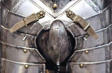 Male pantyhose wasn't enough in battle.