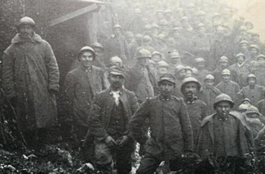 "Mark Thompson's ""The White War: Life and Death on the Italian Front 1915-1919"" highlights the problems faced by Italian troops."