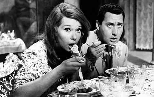 """Lea Massari and Alberto Sordi, """"Una vita difficile,"""" 1961."""