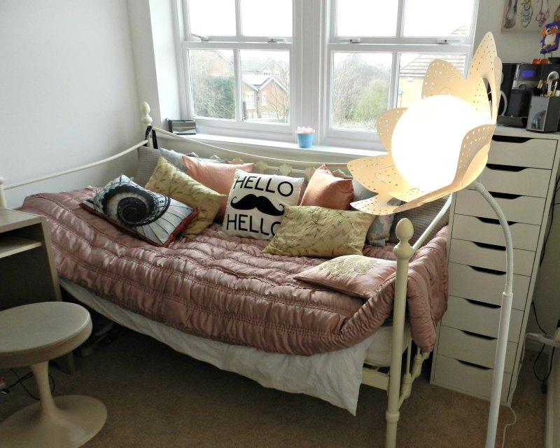 Verbaudet, flower lamp, child's bedroom