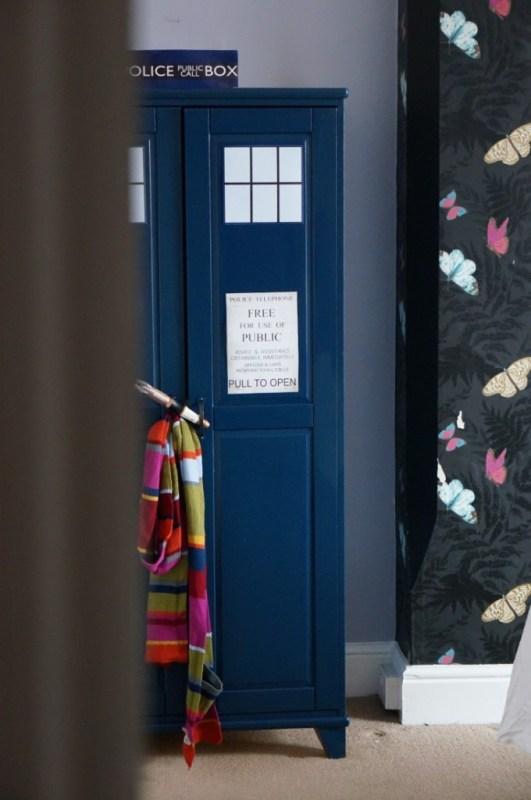 How to make a Dr Who Tardis Wardrobe