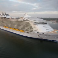 The largest cruise ship in the world – Harmony of the Seas : Royal Caribbean