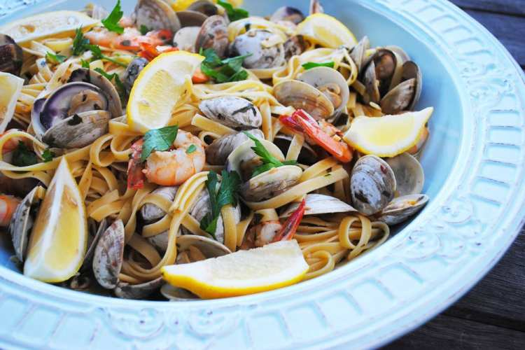 Shrimp and Clam Fettuccini with White WIne Sauce