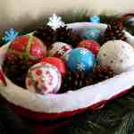 Easy and Fun Holiday Decor: DIY Deco Balls
