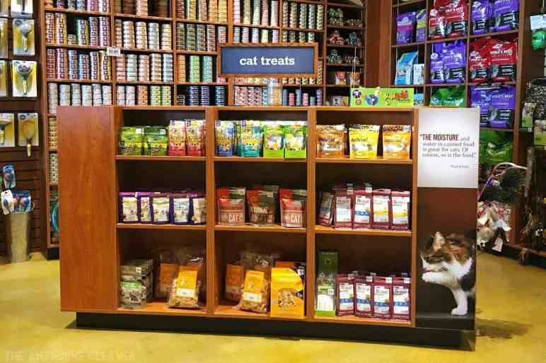 Feed and Care for Your Cats Naturally #KrisersHolisticHealth AD @KrisersPets
