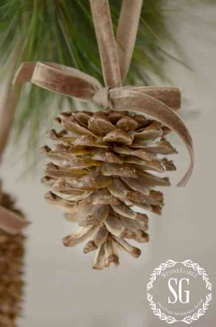 17 christmas pinecone crafts and ornaments the anti june for Pine cone christmas ornaments crafts