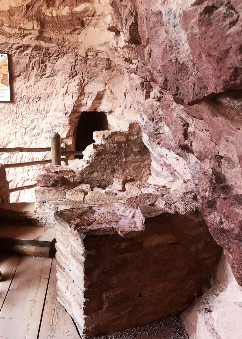 The manitou cliff dwellings in springs colorado