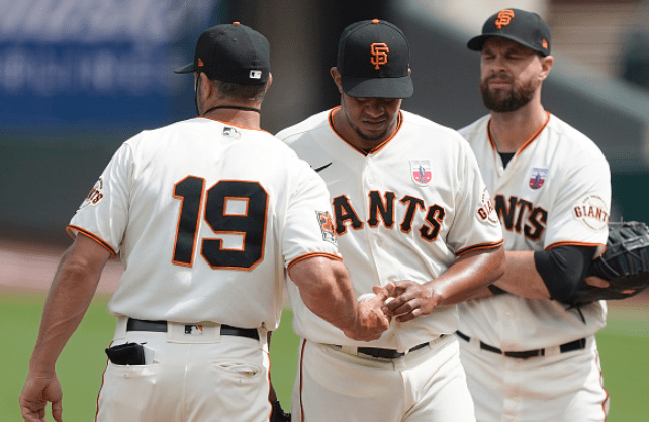 Bullpen Botches Battle of the Bay for Giants