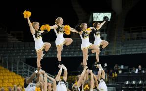 App cheerleading prepares for Canam Nationals