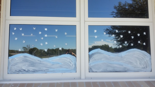 paint your windows like a winter wonderland to help transform your classroom into a winter wonderland snowflake bentley
