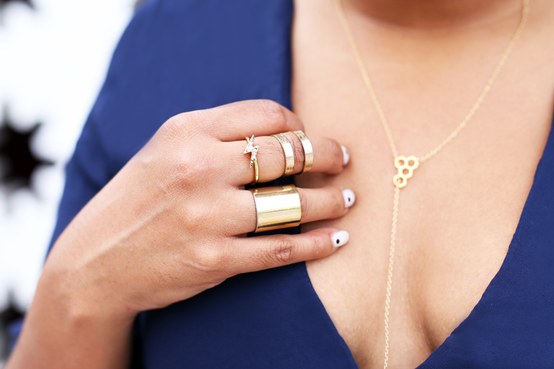 Accesories: Gorjana honeycomb necklace, H&M stack rings, lighting ring (similar here)