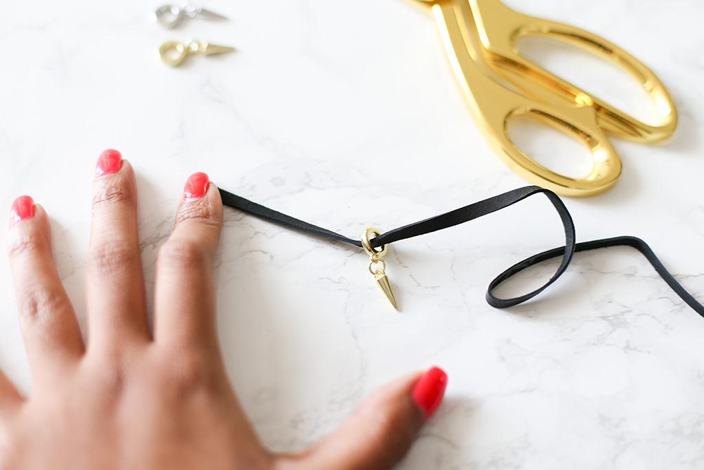 TAOS-DIY-Lace-Tie-Necklace-Loop