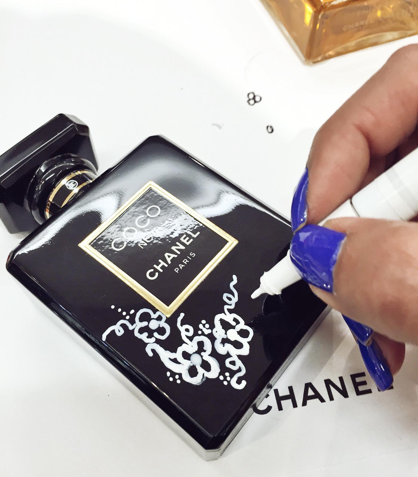 TAOS-Chanel-noir-bottle-illustration