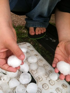 Hail the size of golfballs
