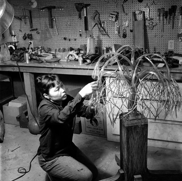Ruth Asawa Working on her Wire Sculpture (Imogen Cunningham image)