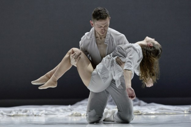 Romeo + Juliet, Ballet BC (image by Michael Slobodian)