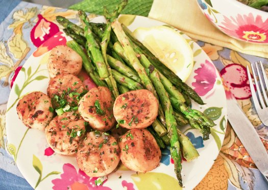 Pan-seared Scallops and Asparagus