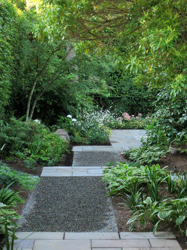 15 Eye-Catching Garden Path Ideas With Stepping Stones ... on Backyard Walkway Ideas id=44765