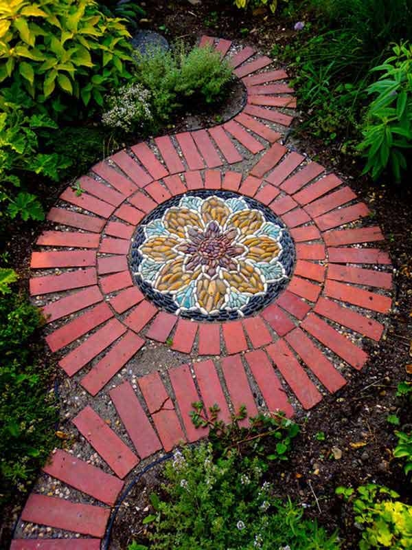 15 Wonderful DIY Ideas to Decorate Your Yard With Bricks ... on Brick Ideas For Backyard id=71110