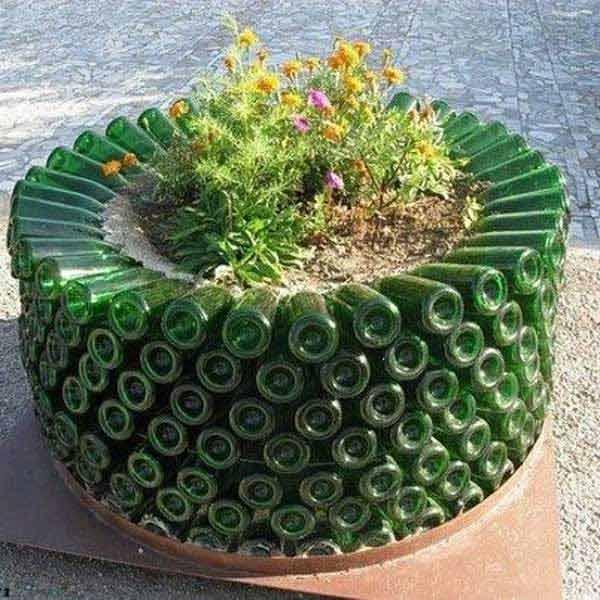 19 Spectacular Sustainable Diy Wine Bottle Outdoor Decorating Ideas Homesthetics Decor 6