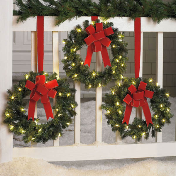 20 The Best Outdoor Decorating Ideas To Spread Christmas