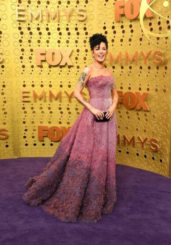 emmys-red-carpet-dresses-2019-560x800.jpg