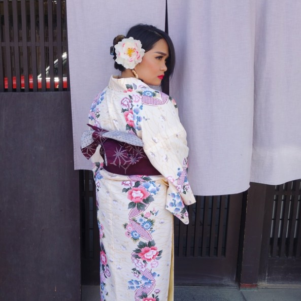 experience the greatness of JAPAN for the 2nd time. pictured in kimono.