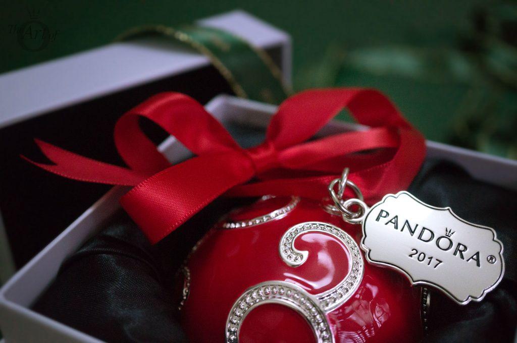 REVIEW PANDORA Holiday Shine Bright Radio City Rockettes