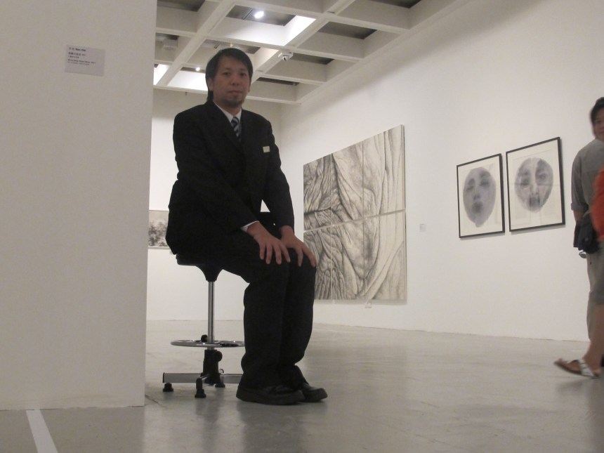 """Para Site, The Bicycle Thieves, Luke Ching Chin Wai, """"Chair Movement"""", 2016 ongoing."""